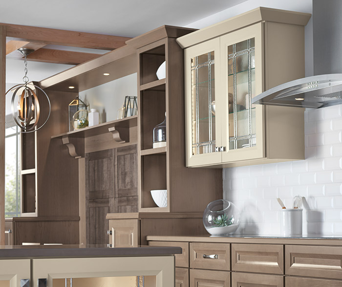 Transitional Kitchen Design with a Neutral Palette