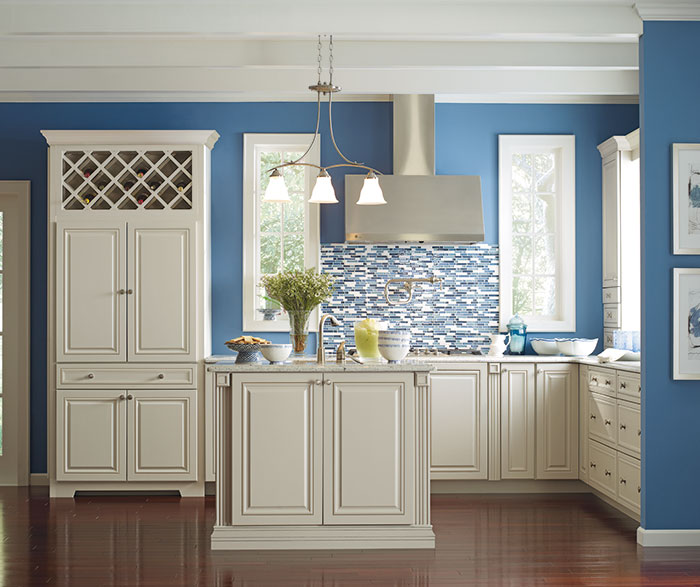 Traditional Light Kitchen