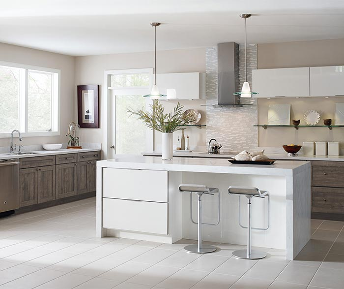 Worthen and Wixom laminate cabinets in a contemporary kitchen