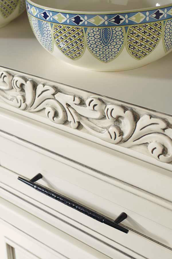 /-/media/diamond/products/mouldings_accents/3acanthusinsertmcocgsm.jpg
