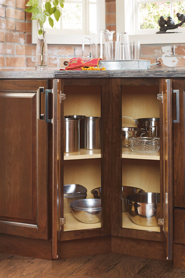 Charmant 135 Degree Base Cabinet