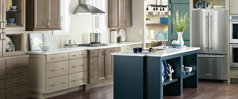 Wells Kitchen Cabinets In Maple Seal, Egret And Maritime On The Island