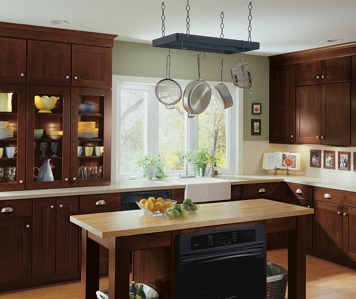 Shaker style kitchen cabinets by Diamond Cabinetry
